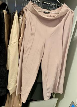 Крутые светлые бежевые брюки кюлоты от zara