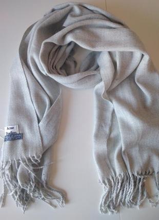 Изысканный светло-серый шарф, палантин acne studios, 100% овечья шерсть.