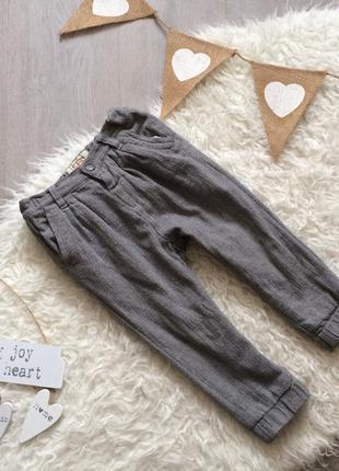 Стильные утеплённые брюки на 2 года