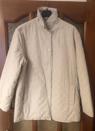 Жіноча куртка (осінь/весна)