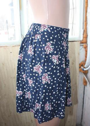 Лёгкая юбка в цветочный принт3 фото