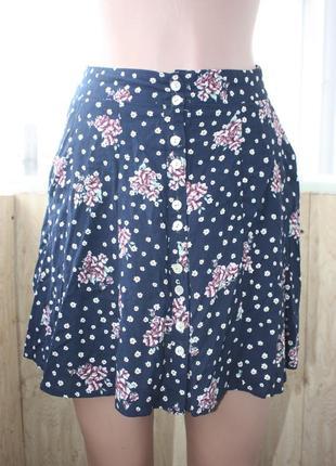 Лёгкая юбка в цветочный принт1 фото