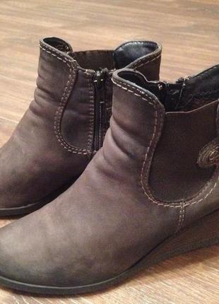 Женские демисезонные ботинки tamaris