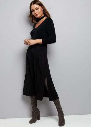 Актуальное платье миди по фигуре, ткань масло, юбка свободная клёш с разрезом1 фото