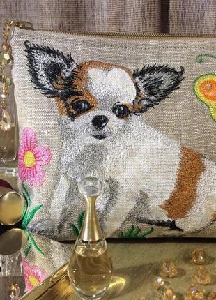 Косметичка с вышивкой для любителей маленьких собачек и бабочек