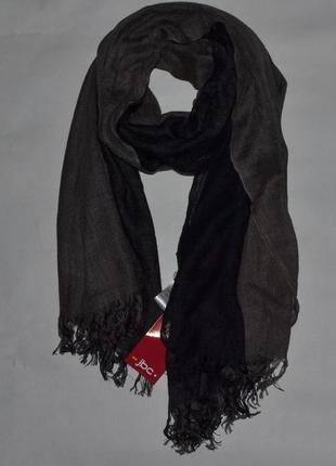 Стильный длинный шарф из вискозы с бахромой от jbc