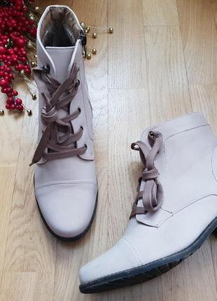 Новые фирменные ботинки на флисе 41р./27 см3