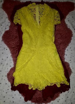 Кружевной ромпер лимонного цвета