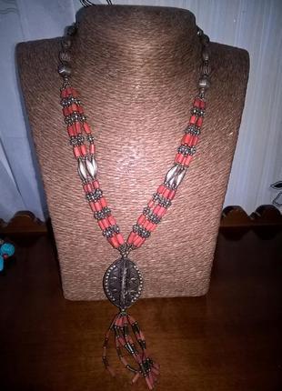 Ожерелье в этностиле из натурального коралла