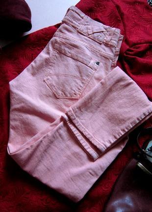 Шикарные розовые джинсы