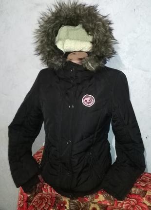 Стильная женская курточка - m