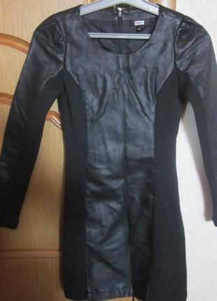 Фирменное кожаное платье bik bok размер xs