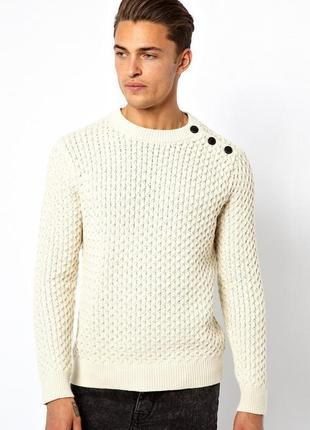 Мужской свитер в косичку с пуговицами на боку