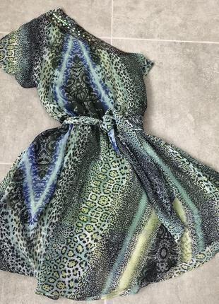 Стильное платье phard