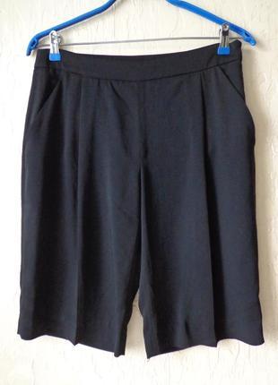 Шорти до колін, діловий стиль zara, розмір м (38)