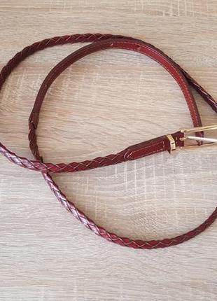 Актуальный ремень плетеный цвета бургунди