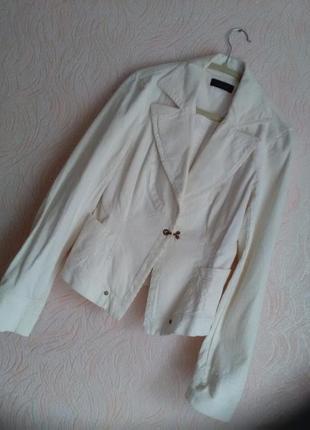 Новый вельветовый пиджак цвета айвори
