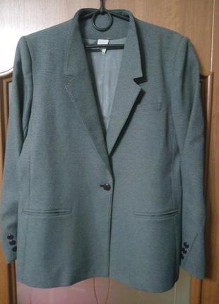 Фирменный, стильный, модный,оригинальный пиджак kay warner