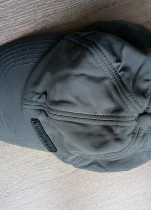 Теплая зимняя кепка с ушами отворотами