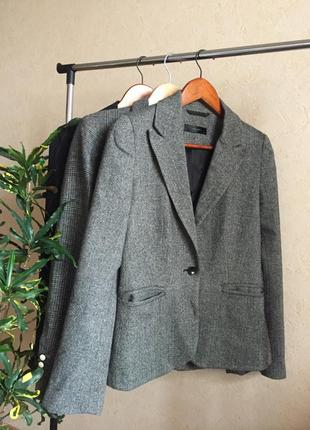 Шикарный серый пиджак hallhuber