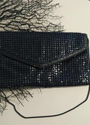 Темно-синий клатч, вместительный в хорошем состоянии