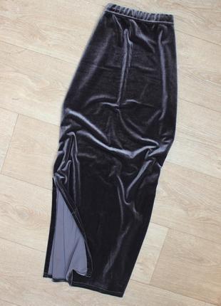 Длинная велюровая бархатная юбка с разрезом