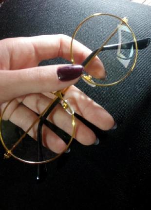 Прозрачные очки в золотистой оправе😍