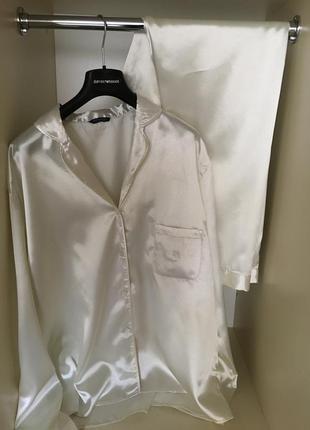 Шелковая   пижама жемчужного цвета  burberry   оригинал!     xl-xxl