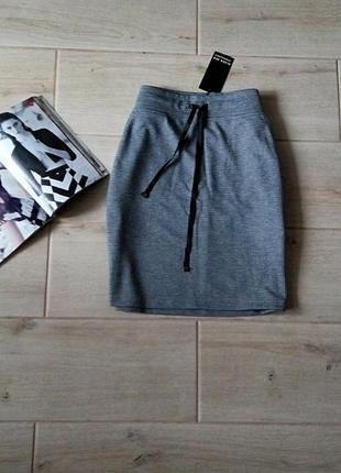 Прямая спортивная юбка с карманами лампасами в гусиную лапку р. s m