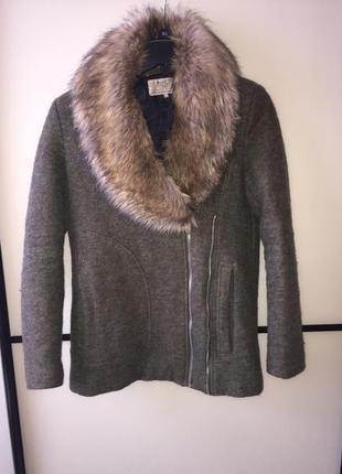 Зимове пальто від  zara