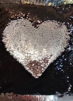 Фирменная подушка-антистресс с реверсными пайетками серебро-чёрный