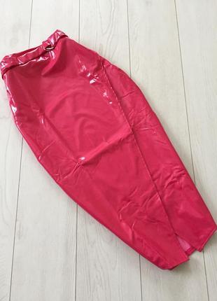 Лаковая юбка с поясом