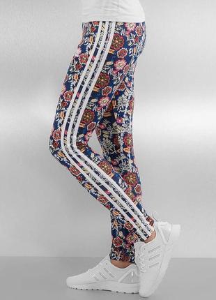 Лосины adidas essentials в цветочный принт