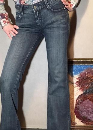Новые брендовые джинсы в духе бохо