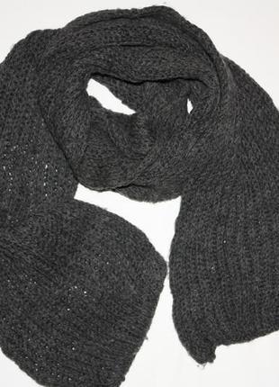 Вязаный шерстяной серый шарф в хорошем состоянии