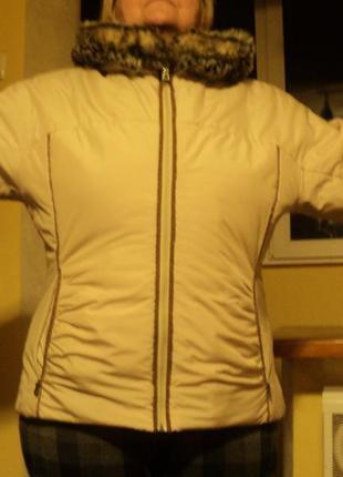 Красивая курточка демисезон
