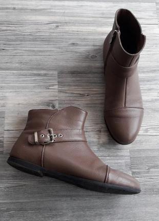 Кожаные ботинки р.39