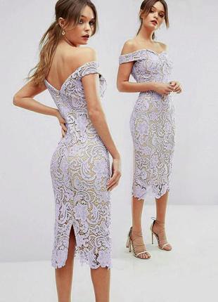 Платье-футляр missguided миди кружевное ажурное с открытыми плечами c сайта asos