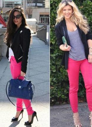 Яркие джинсы от известного бренда