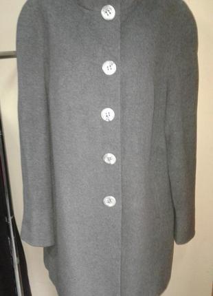 Шикарное пальто из шерсти и кашемира jorg peterson