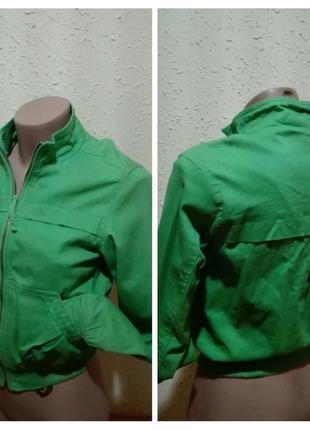 Яскрава базова котонова курточка бренду charlotte russe, розмір s, виробництво іспанія