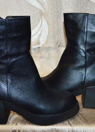 Полусапожки на красивые ножки)