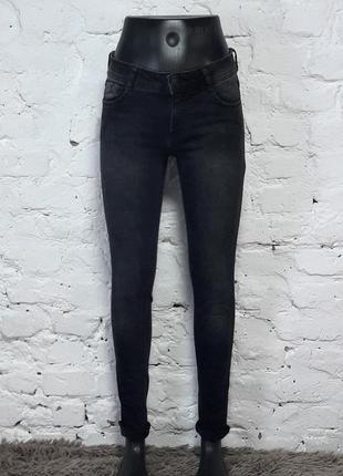 Скидка! базовые джинсы скинны clockhouse