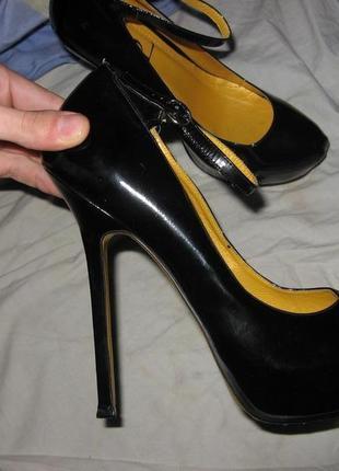 Лабутены ботинки туфли на каблуке yves saint laurent оригинал кожа новые размер 40