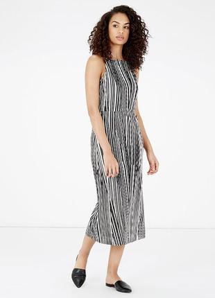 Платье - плиссе длины миди