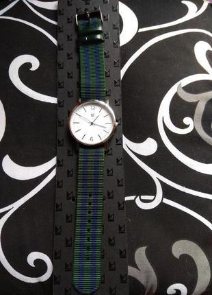 Часы primark