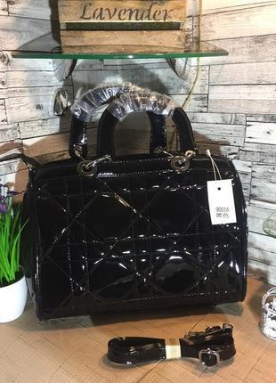 Женская лаковая сумка в стиле dior