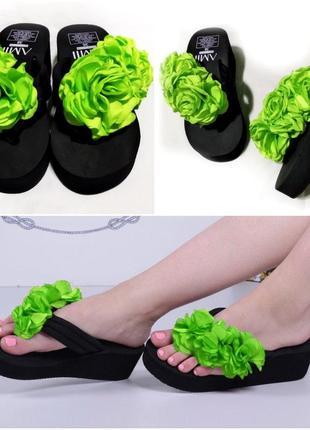 Вьетнамки шлепанцы черные яркие с цветами 23,5см