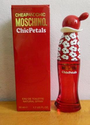 Moschino cheap & chic chic petals 50мл
