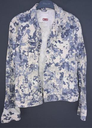 Крутой пиджак с принтом